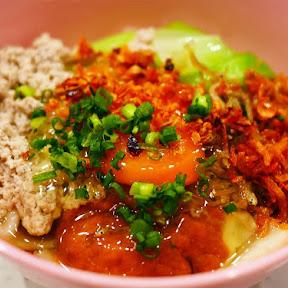 【極上グルメ】下北沢のマレーシア朝食ドライチリパンミーが絶品 / 日本の高品質食材で再現! 圧延ジャパンミー