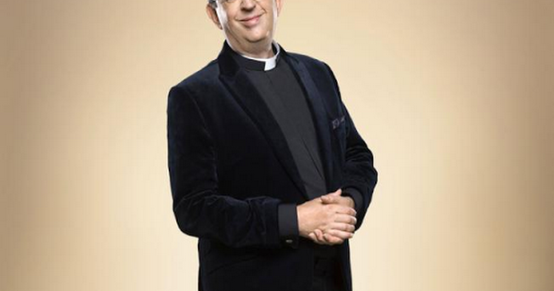 Rev. Richard Coles trains for Strictly in underwear