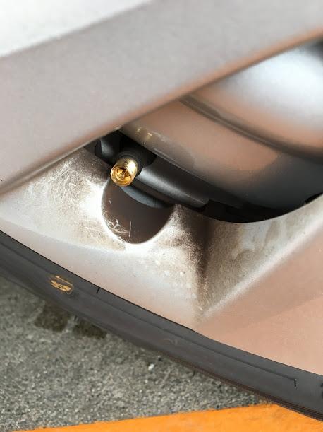 ガソリンスタンド 空気圧