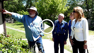 Video: Phillip Milligan talks about Mason Bees with Surrey Mayor Dianne Watts.