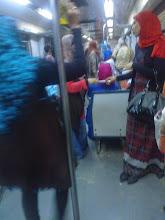 Photo: no es una foto nocturna, pero se coló en este álbum. vagón exclusivamente para mujeres en el metro.