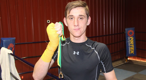 Narrabri boxer Shannan Davey fought in the 64kg elite division at the 2018 Queensland Boxing Golden Gloves tournament on the weekend and returned home the winner.