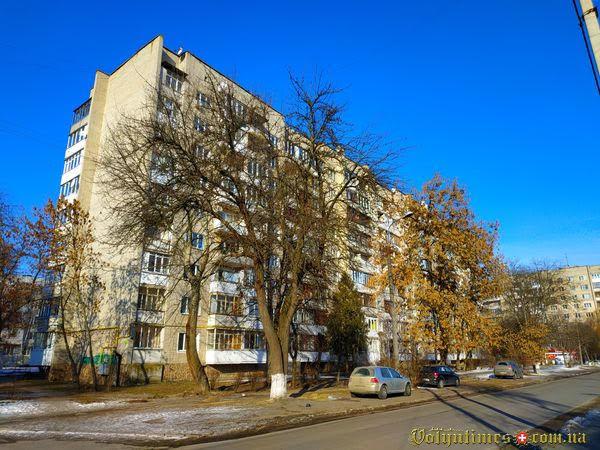 Вул. Гулака-Артемовського, 3. Фото: І.Сметанін