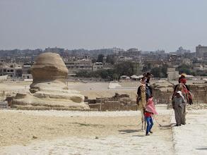 Photo: el cairo, desde detrás de la esfinge