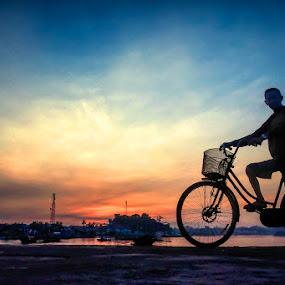 Biker by Mario Wibowo - City,  Street & Park  Street Scenes ( studio, workshop, mario, kursus, les, 2013, silhouette, travel, photo, mwp, bicycle, seminar, mario wibowo, kelapa gading, trip, wibowo, nikon, belitung )