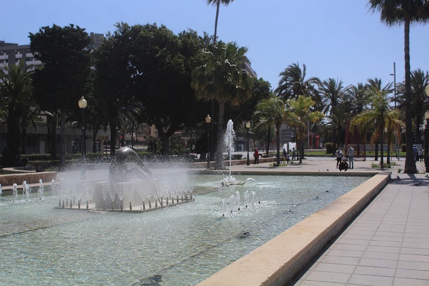 Jugando en el Parque Nicolás Salmerón.