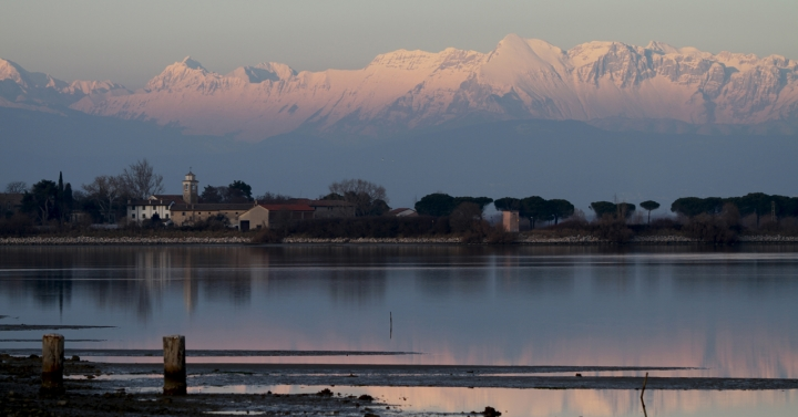 Lagunga e montagna in febbraio di sybil