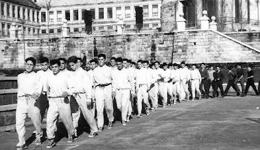 Photo: Clase de gimnasia 1957-58