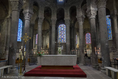 Top Auvergne Destinations: Things to Do in Clermont-Ferrand // Inside Orcival Basilica
