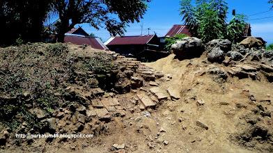 Photo: Situs Benteng Tallo, yang dibangun Karaeng Loe ri Sero, Raja Tallo Pertama (1460-1490). Situs ini ada 8 (delapan) titik, terletak di Mangarabombang dan muara Sungai Tallo, Makassar, Indonesia. http://nurkasim49.blogspot.nl/2011/12/ii.html