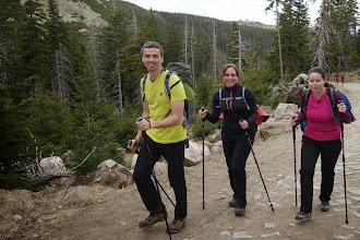 Photo: Robert, Katka K2 a Markéta stoupají s úsměvem :-)