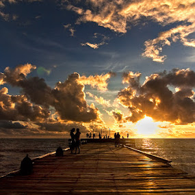 Sunset in Akarena Beach by Hernan Halim - Landscapes Travel ( makassar, akarena, sunset )