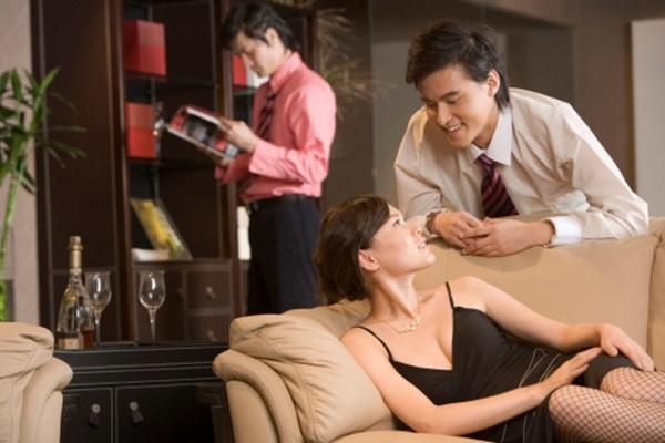 Tỷ lệ vợ ngoại tình đã và đang tăng một cách chóng mặt.