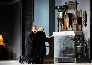 Photo: Theater an der Wien: La mère coupable Oper in drei Akten von Darius Milhaud . Premiere am 8.5.2015. Stephane Loges, Mireille Delunsch. Copyright: Barbara Zeininger