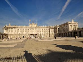 Photo: El Palacio real al que no pasé más allá de la reja.