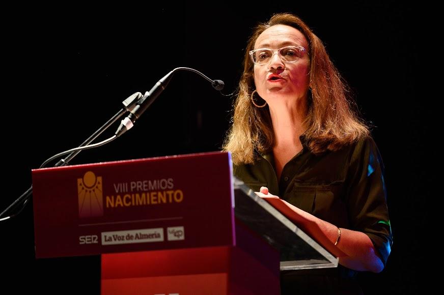 Antonia S. Villanueva, subdirectora de LA VOZ, abrió el acto.