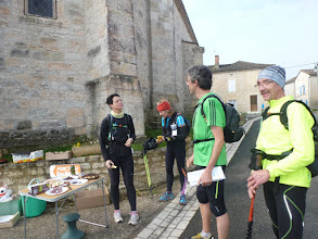 Photo: Valérie, Judith, Jean-Louis et Christian au ravitaillement