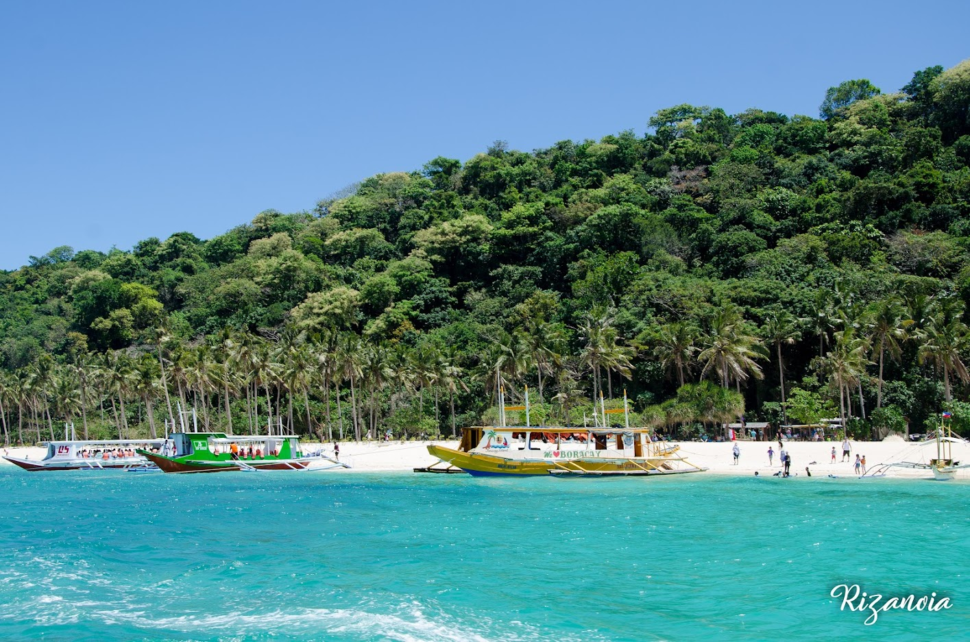 Boracay Travel Guide for First Timers (Budget + Itinerary)
