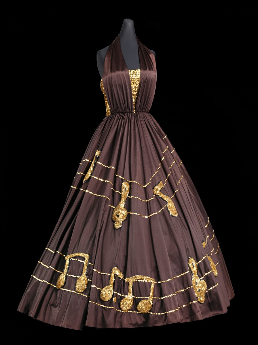 A Look At The Black Fashion Museum Collection And Designer Peter Davy Smithsonian National Museum Of African American History And Culture Google Arts Culture