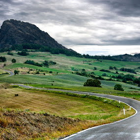 Pietra parcellara by Federica Violin - Landscapes Mountains & Hills ( hills, pietra parcellara, rock, landscape )