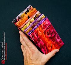 Photo: Cobertes pintades i cal·ligrafiades a mà per Ferran Cerdans Serra; úniques i originals, fetes al taller de Llibres Artesans a Santpedor (BCN) · Des del 2002 fent els llibres del futur: relats breus, aforismes i poemes escrits a mà