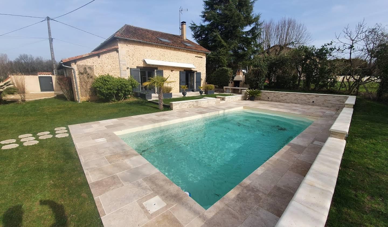 Maison avec piscine et terrasse Notre-Dame-de-Sanilhac