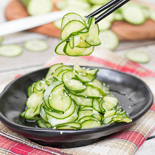 Japanese Cucumber Salad Recipe (Sunomono)