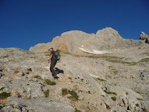 Photo: A la salida, hacia el norte, unas cuantas subidas y bajadas por la Vega del Urriellu