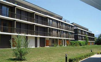 Park & Suites Confort Grenoble-Meylan