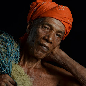Pok Soh by Anis Ghazalli - People Portraits of Men ( old, malay, fisherman, portrait, man )