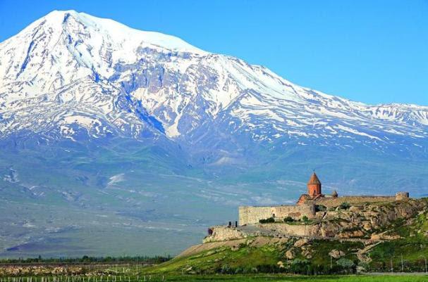 yerevan-khor-virap-noravank-areni-wine-factory-in-yereva