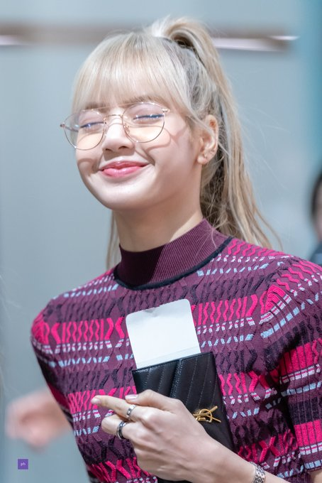 lisa glasses 28