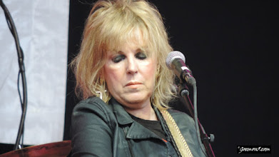Photo: Lucinda Williams was potentially the least expressionate face I ever saw on a stage.