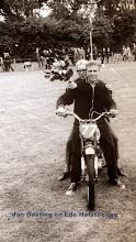Photo: Jan Oosting en Ede Hofsteenge, grasbaanraces
