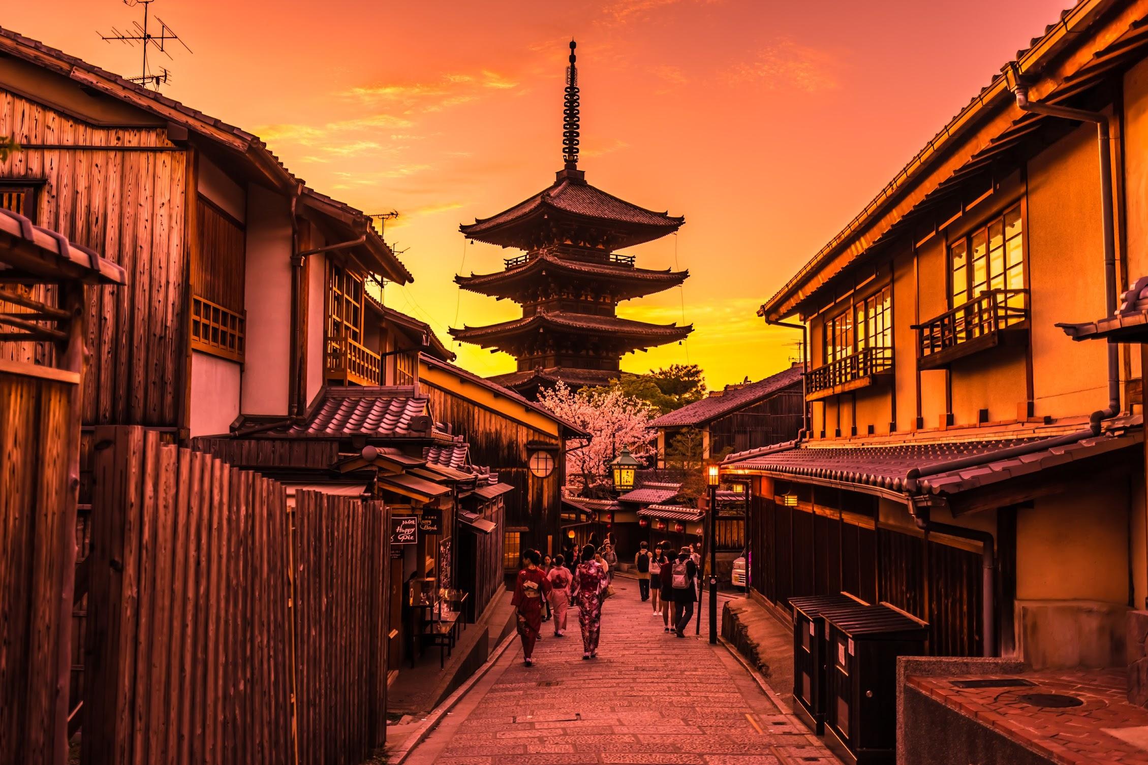 京都 八坂の塔 夕景2