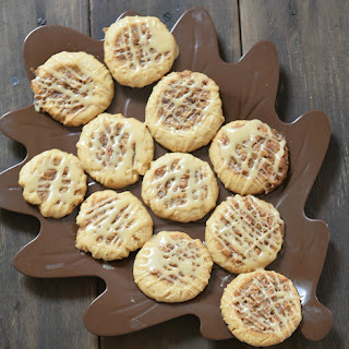 Pecan Pie Cookies with Maple Glaze
