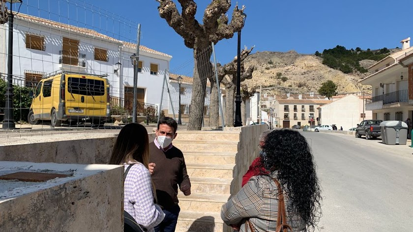 Liria ha visitado el municipio velezano para conocer el estado de las obras.