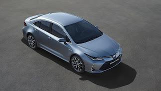 Por primera vez en Europa, Corolla Sedan se asocia a una motorización híbrida eléctrica.