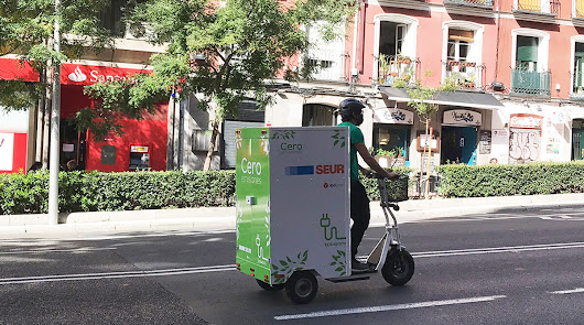 Lo último en movilidad, patines eléctricos para repartir por la ciudad