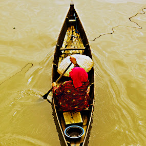 Rowing by Agung Cahyono - People Street & Candids