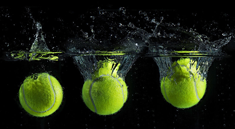 Tennis balls in water di angelo27