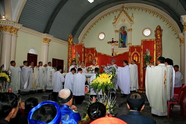 GP Phát Diệm: Gần 300 cặp vợ chồng mừng kỷ niệm thành hôn - Ảnh minh hoạ 2