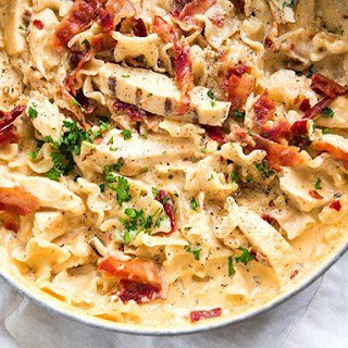 One-Pot Chicken-Bacon-Chipotle Alfredo