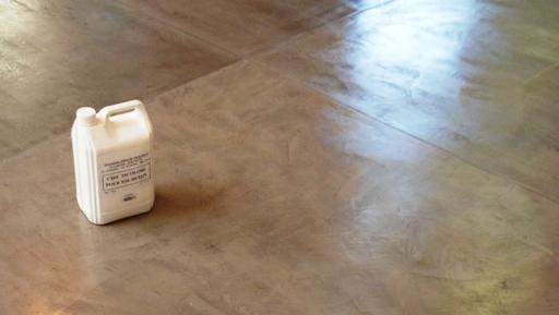 entretien d'un béton ciré au sol