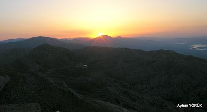 Photo: Nemrut Dağı'nda güneş doğuyor. Saat: 05:10 Karadut Köyü-Kahta-Adıyaman- 22.05.2016 Mezopotamya (Gaziantep-Şanlıurfa-Adıyaman Nemrut Dağı)  Etkinliği. - 19-20-21-22 Mayıs 2016
