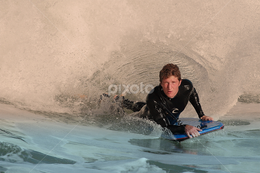 Le tunnel by Gérard CHATENET - Sports & Fitness Surfing (  )