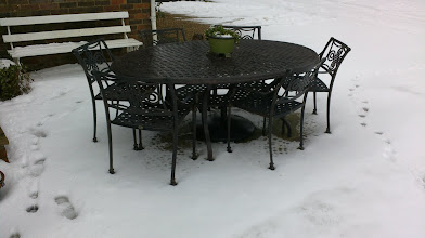 Photo: Outdoor & Patio Furniture Aluminium Sets for 6 http://www.outsideedgegardenfurniture.co.uk/Cast-Aluminium-and-Metal-Garden-Furniture/Tables-for-6/index.html
