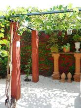 Photo: Uma parreira de uva e mais adornos em cerâmica. http://celiamartins.blogspot.com/