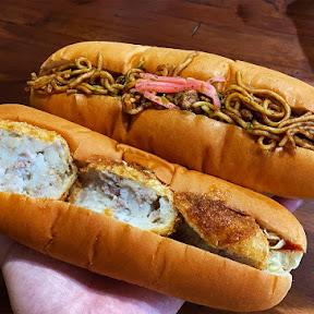 【絶品グルメ】ラーメン屋が本気でパン屋を開業したら焼きそばパンが激しく美味! ソラノイロの「かえでパン」