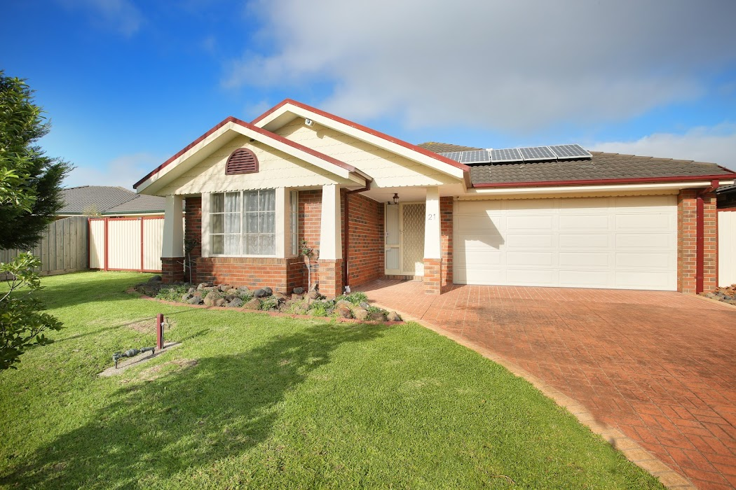 Main photo of property at 21 Dunmera Crescent, Narre Warren South 3805